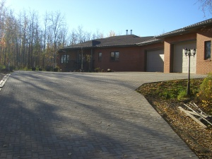 huge Driveway on Acreage in Holland Paver